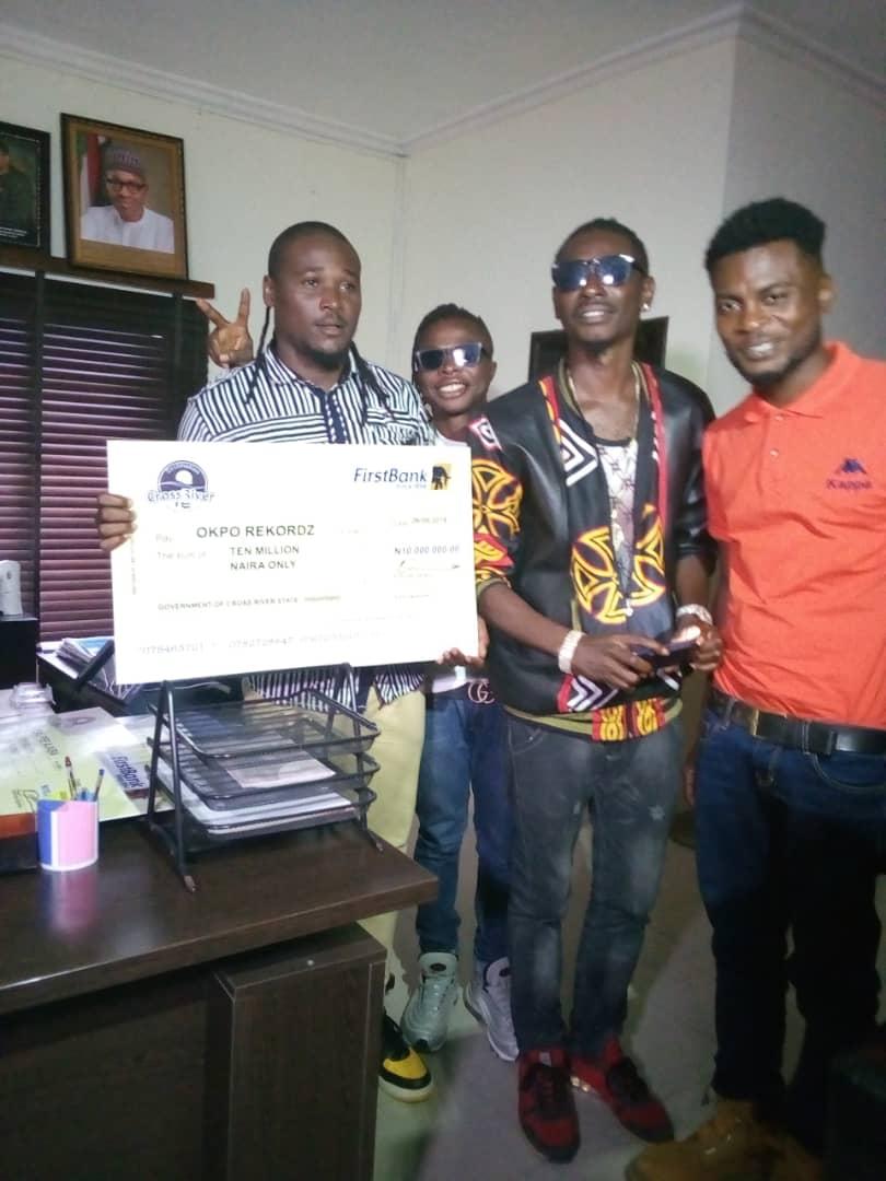 Gov Ayade redeems 20 million pledge to ace musicians Upper X