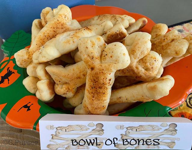 Homemade Buttery Breadstick Bones