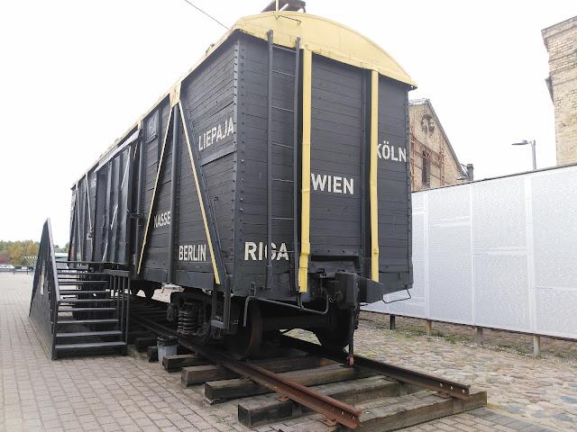 В таких вагонах привозили евреев из разных уголков Европы
