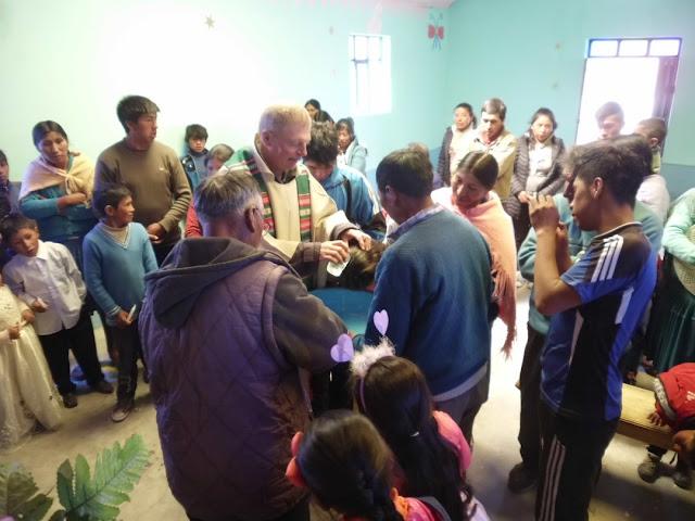 Das Volk freute sich auf den Besuch ihres Padre. Alleine 7 Taufen standen an, dazu der Kursus und Katechese zu den Lesungen des Tages.