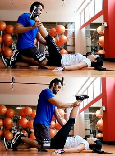 Ejercicio que permite estirar los músculos que participan en la extensión de cadera