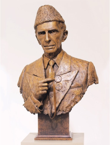 Quaid's bust unveiled at London museum
