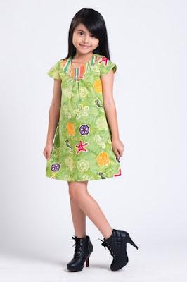 contoh model baju batik anak perempuan