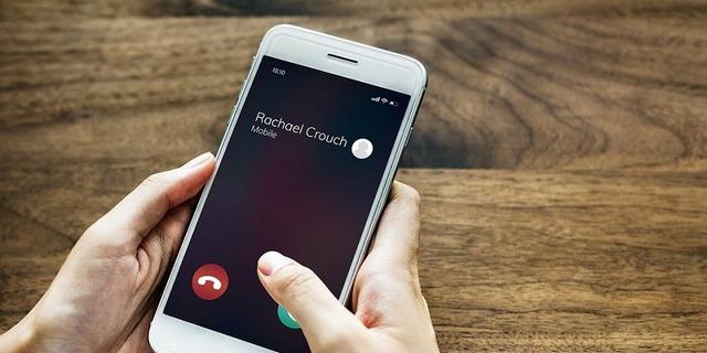 3 طرق لإخفاء رقم هاتفك أثناء الاتصال وإجراء المكالمات الخاصة