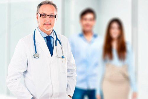 Врач-терапевт честно рассказал о специфике работы частных и госклиник и о доходах врачей