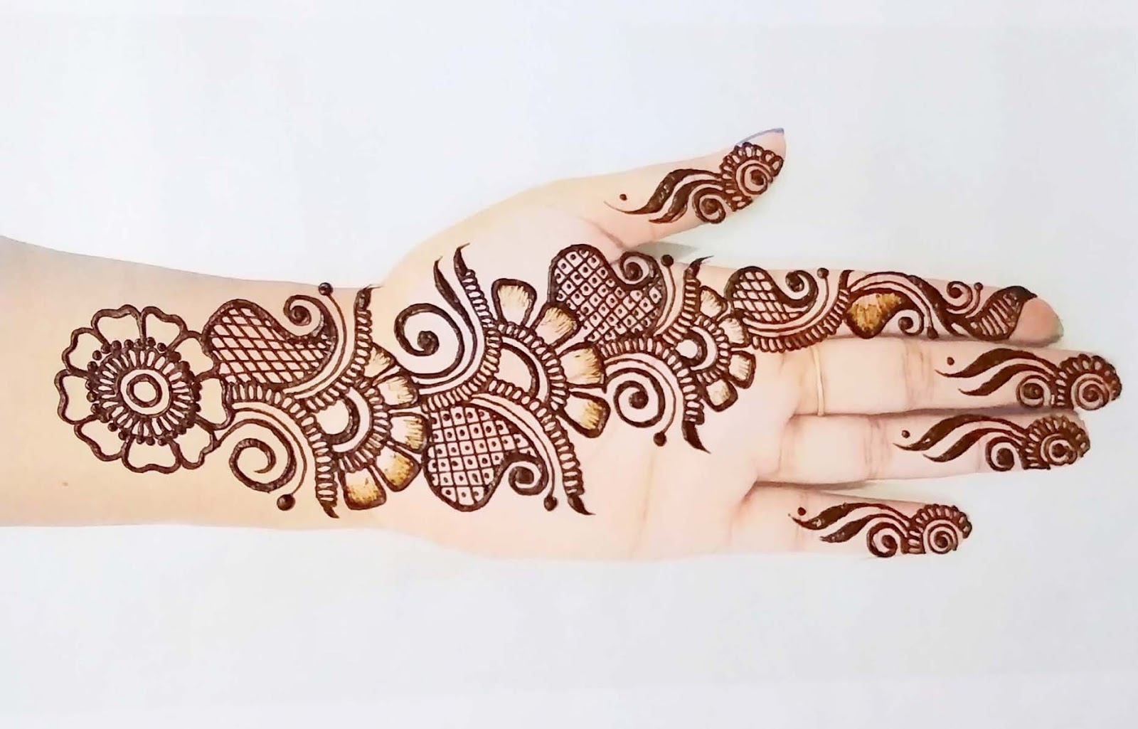 Easy Mehndi Design Front Hand