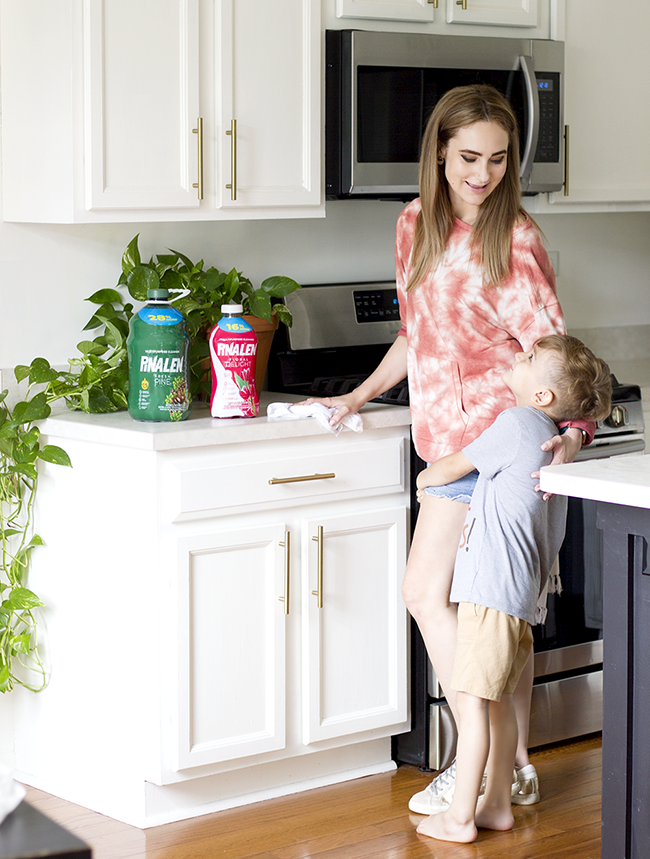 7 Summertime Cleaning Tips for a Fresh Smelling Home