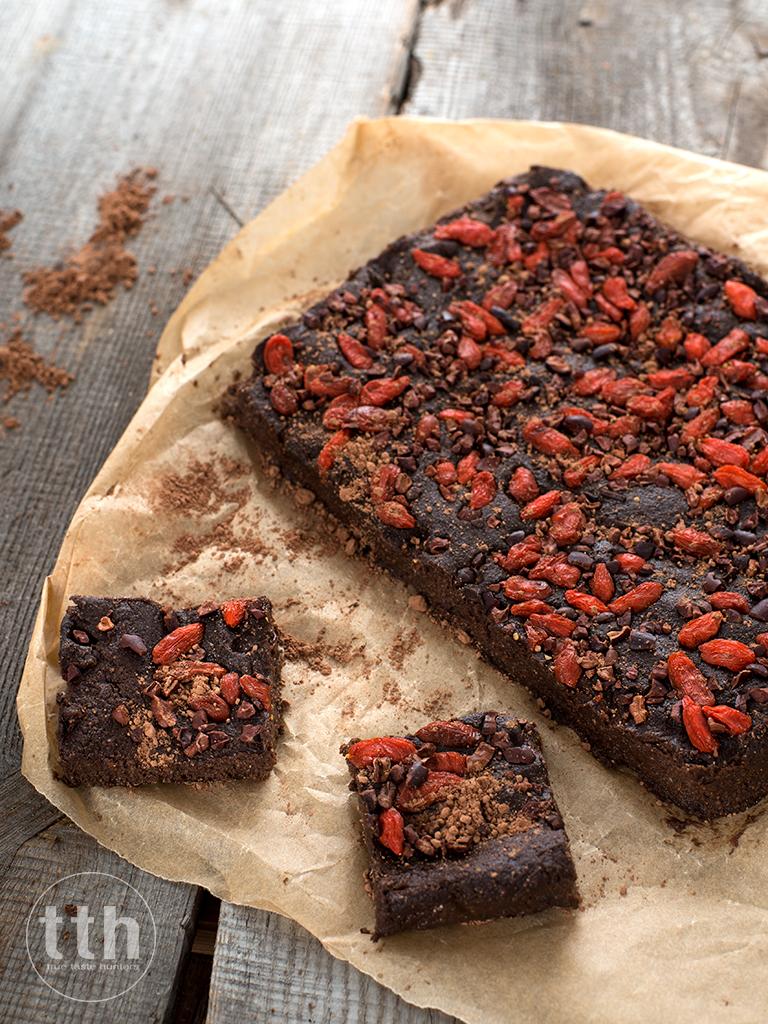 Brownie z kaszy jaglanej bez pieczenia - przepis weganski, bezglutenowy, bez cukru