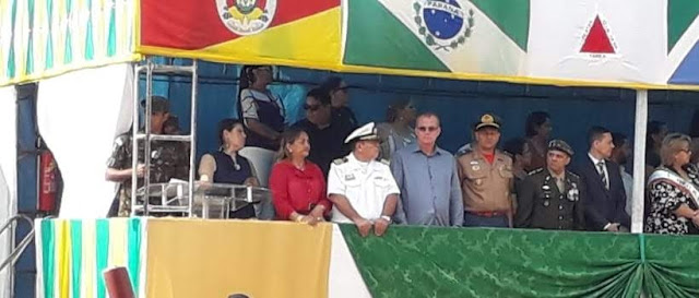 Coronel Derzete prestigia desfile cívico representando o governador Marcos Rocha