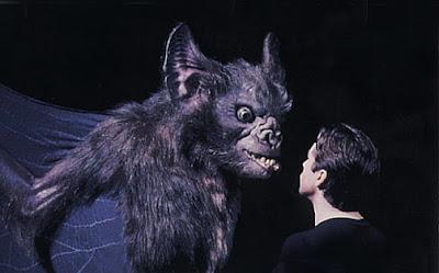 Resultado de imagem para batman eternamente cena deletada morcego gigante