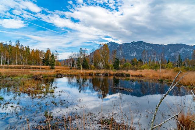 Talwanderung Inzell | Herbstwandern im Chiemgau | Moor-Erlebnis-Pfad und Reifenrutsche Kesselalm 01