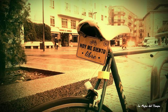 La mujer del tiempo, salamanca en bici