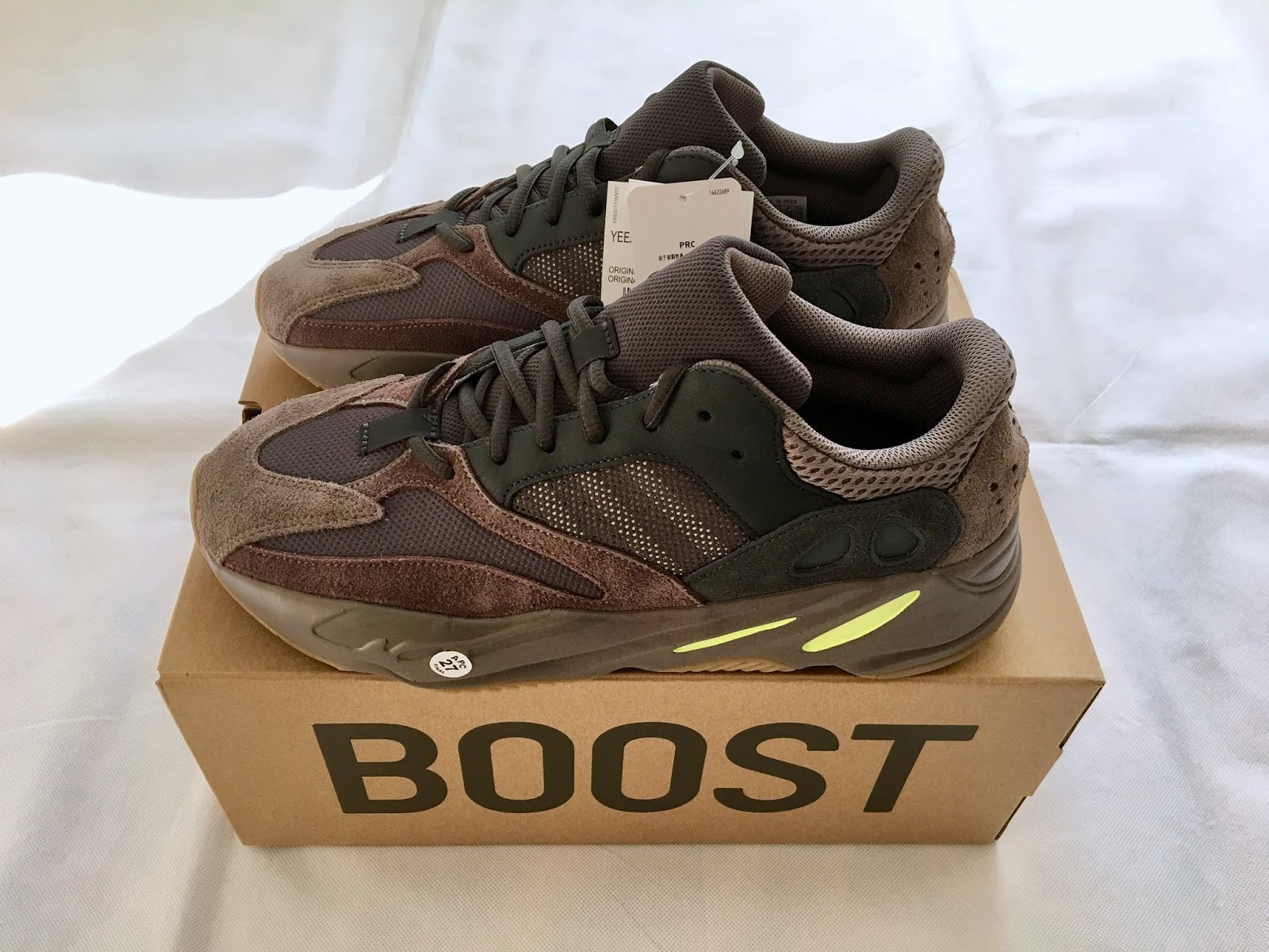 5f3652310b3 Adidas Yeezy Boost 700 Mauve Sneakers