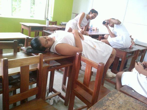 Srilankan school girls nute images, alba nude video