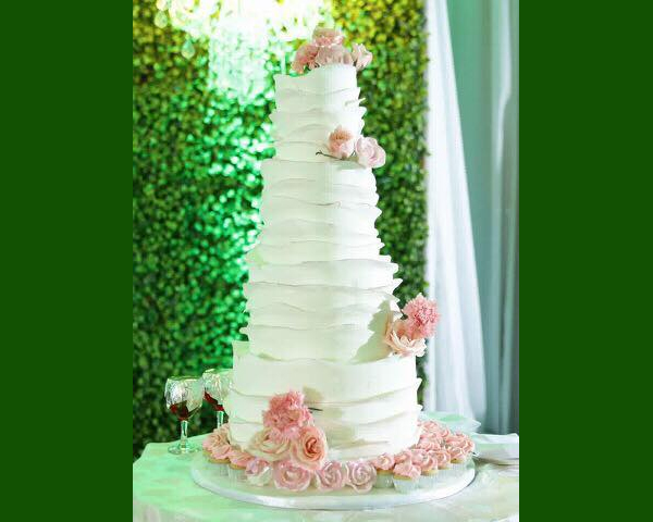 wedding cake - trusted Bacolod wedding suppliers - Quino's Cakes