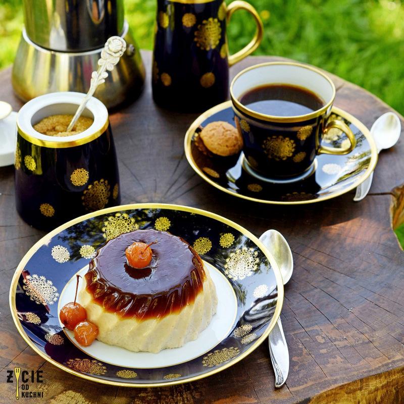 cafe panamera, kawa, panna cota, deser kawowy, wloski deser, kawa w ogrodzie, stolik kawowy