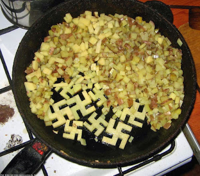 Lustiges Essen Bilder - Bratkartoffeln in Pfanne - Lachbilder Hakenkreuz