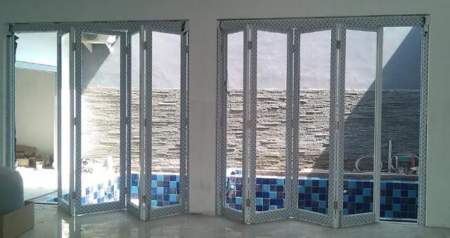 Pintu Lipat Kaca