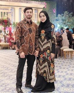 produk umkm Indonesia di bidang fashion adalah pakaian batik