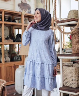 Stock Frilly Tunik warna Sea Blue Size S