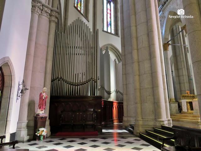Vista ampla de parte dos Tubos do Órgão da Catedral da Sé - São Paulo