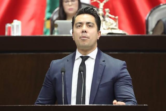 diputado Macías Olvera