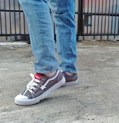 sneaker runner bandung