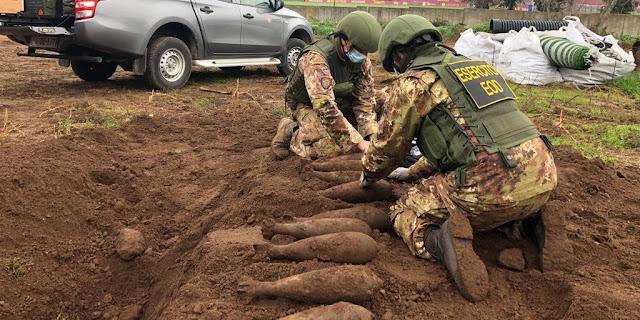 Exército retira bombas da Segunda Guerra Mundial do CT da Roma