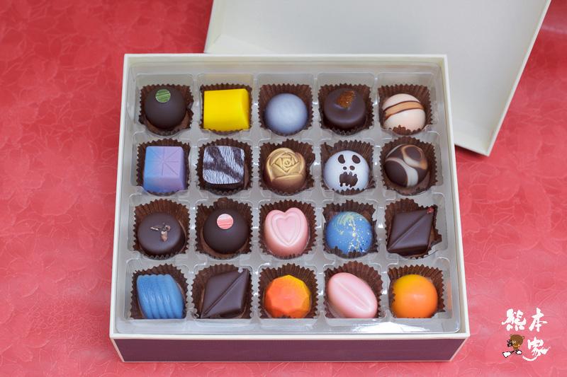 妮娜復刻藍盒巧克力|全世界最薄35公釐夾心巧克力~超夯南投埔里禮盒伴手禮