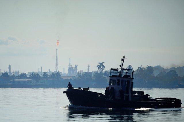 Clandestinamente, Pdvsa envía un millón de barriles de crudo a Cuba