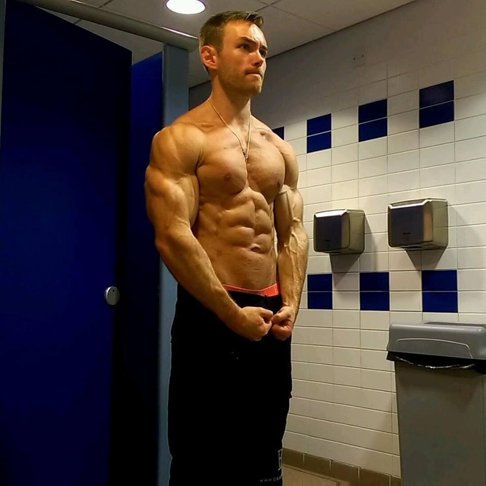 hot-strong-straight-dominant-hunks-veiny-shirtless-muscular-guys-flexing-bathroom