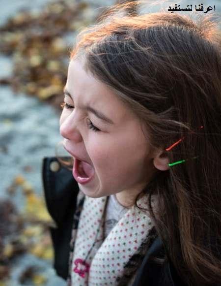 التعامل بهدوء من أهم طرق التعامل مع الطفل العنيد