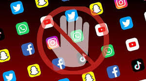 PAK banned All Social Media (WhatsApp, Twitter, FB)- Know why?