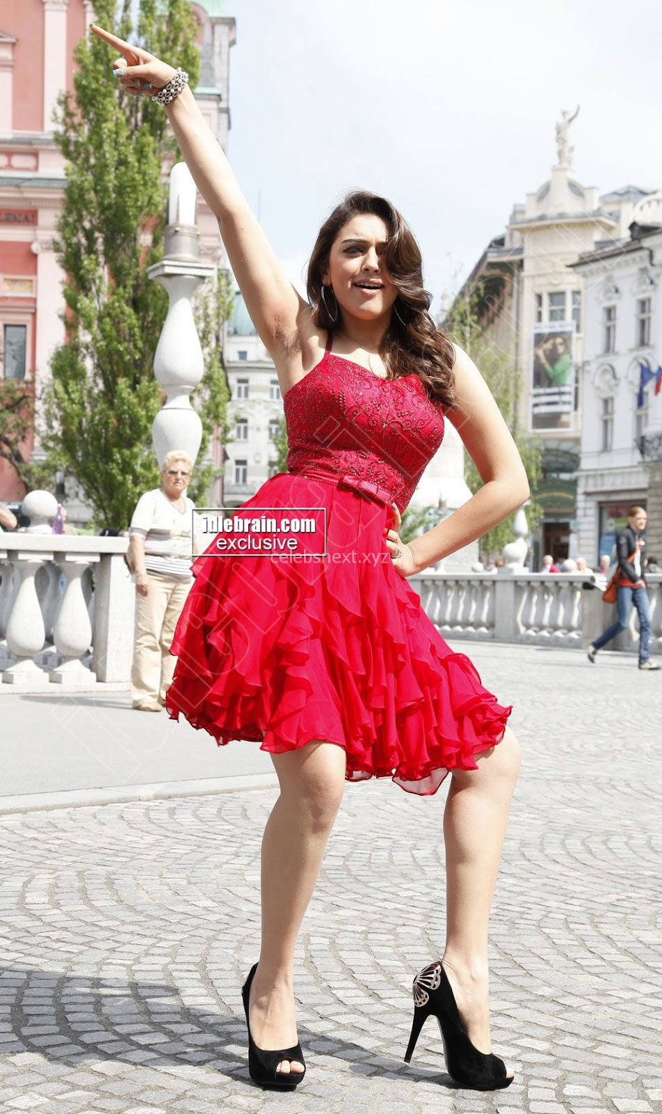 Haniska Motwani Dances in Sexy Mini Red Dress Hot Thighs Jolly Girl Hansika Motwani Must See