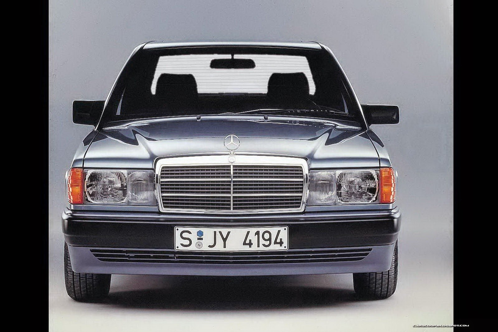 Mercedes benz w201 190e 2 3 2 for Mercedes benz 190e headlights