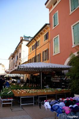 Il centro e il mercato di Valeggio sul Mincio