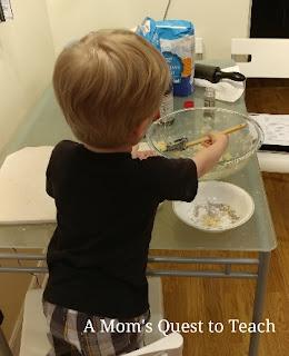 toddler baking cookies