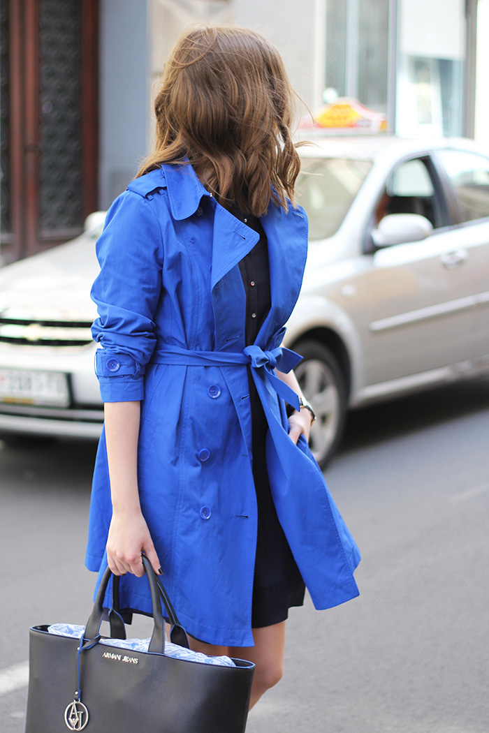 What to pair with a colored trench coat