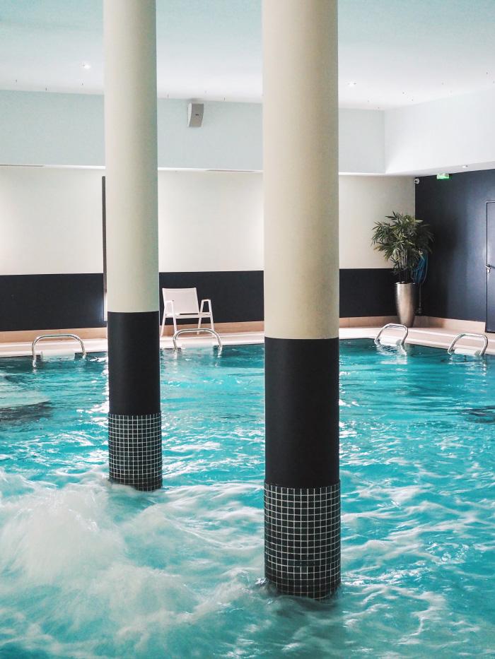 Piscine de l'hôtel spa de Fontcaude près de Montpellier