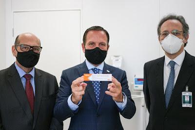 João Doria acompanhou início dos testes da vacina contra o coronavírus no Hospital das Clínicas