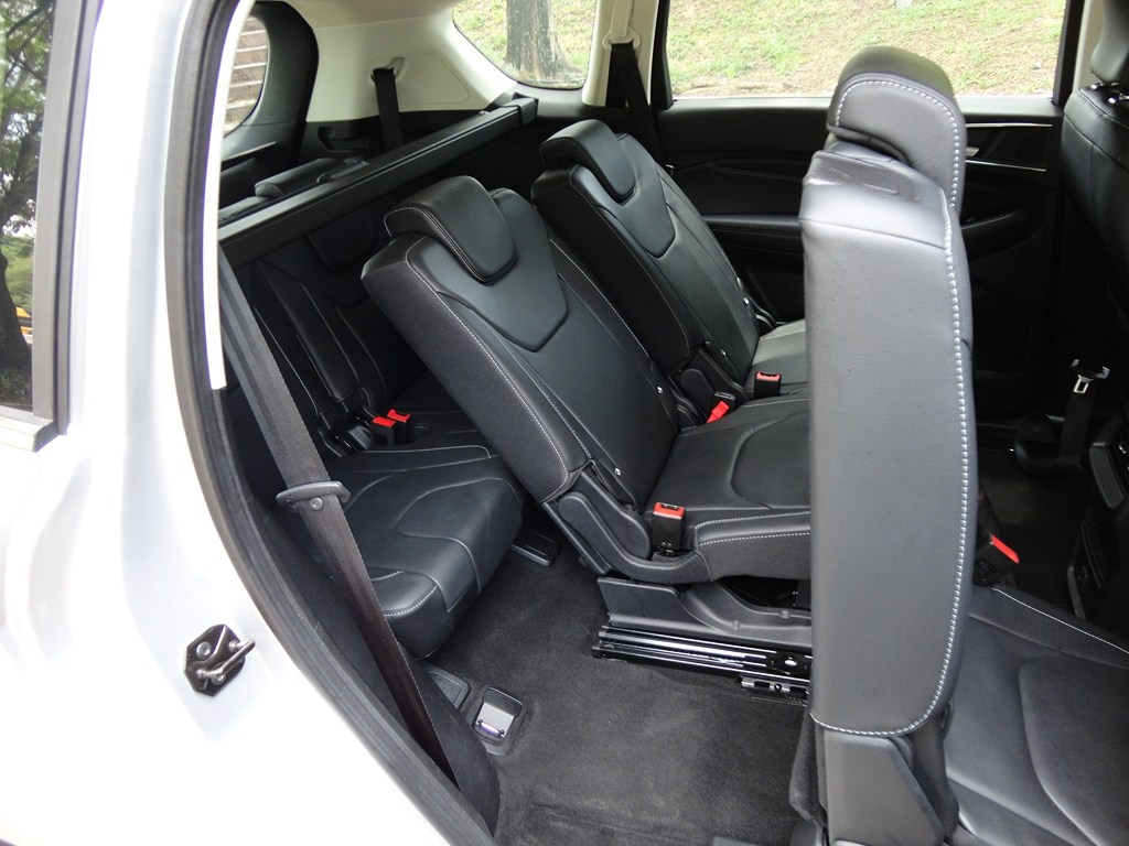second and third row passenger seats which ford says are easy fold seats help to provide up to 32 seating and load space combinations make the s max a