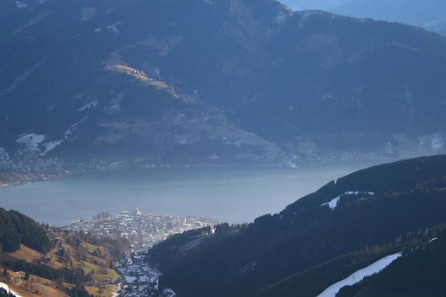 Von der Schmittenhöhe blicke ich ganz verträumt auf den Zeller See. © diekremserin on the go