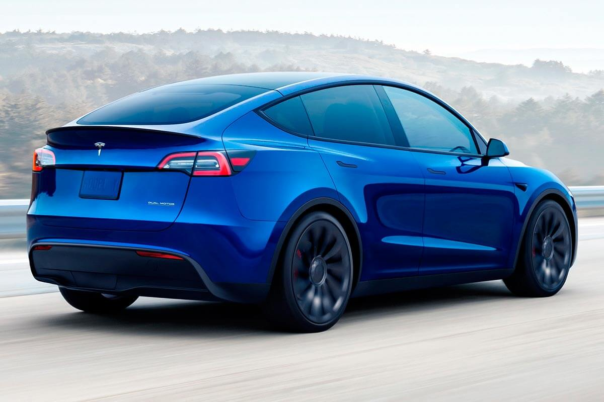 Tesla Model y azul