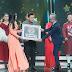 Ca sĩ Như Hảo thích thú khi Trương Diễm ngâm thơ, hát ngọt ngào tuyệt phẩm của nhạc sĩ Lê Dinh