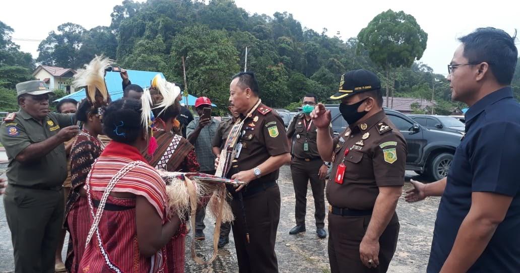 Kejati Papua Barat Hadirnya Kejari Di Maybrat Itu Ada Syaratnya Oborkeadilan Com