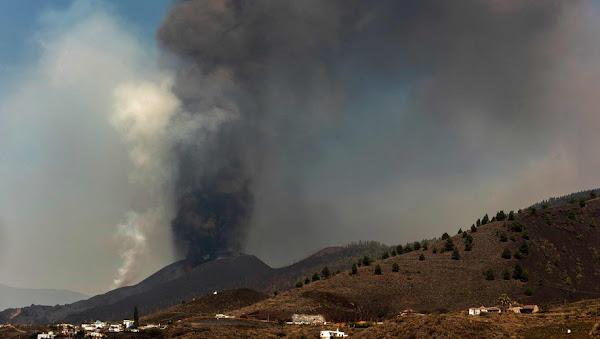 [VIDEO] Eruption Volcanique Aux Canaries : Pourquoi L'arrivée De La Coulée De Lave Dans L'océan Inquiète Les Autorités