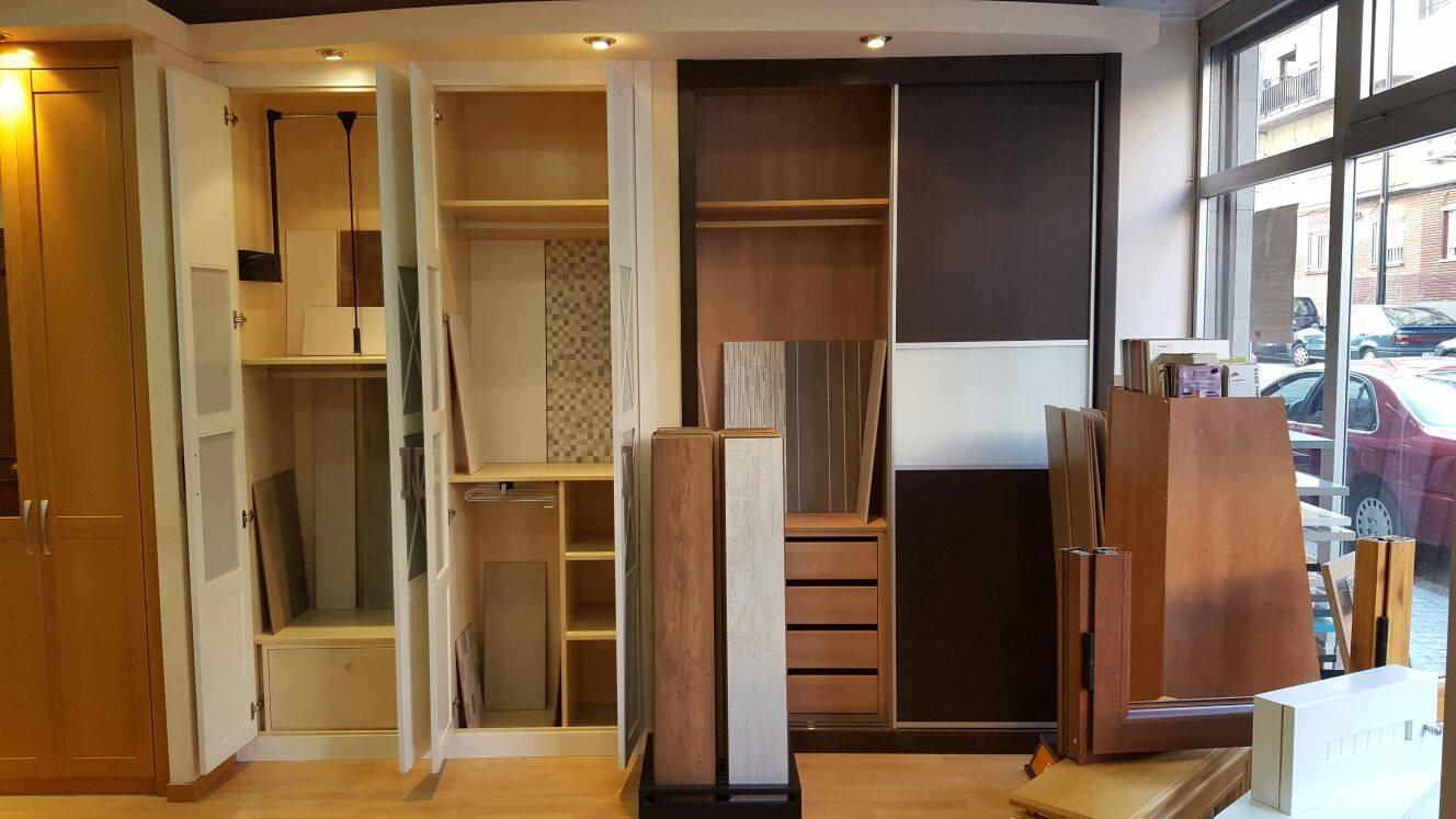 Puertas y maderas gasca mobiliario a medida y reformas for Baldosas de cocina