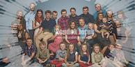 Misteri Aneh Foto Keluarga, Kamu Bisa Menemukannya?