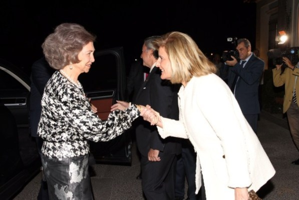Her Majesty Queen Sofía, being welcomed by Fátima Báñez - Minister of Employment and Social Security