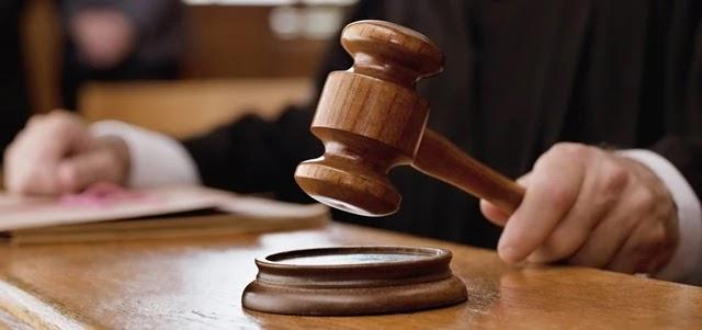 Na decisão, o magistrado faz ainda críticas explícitas a ministros do governo Bolsonaro